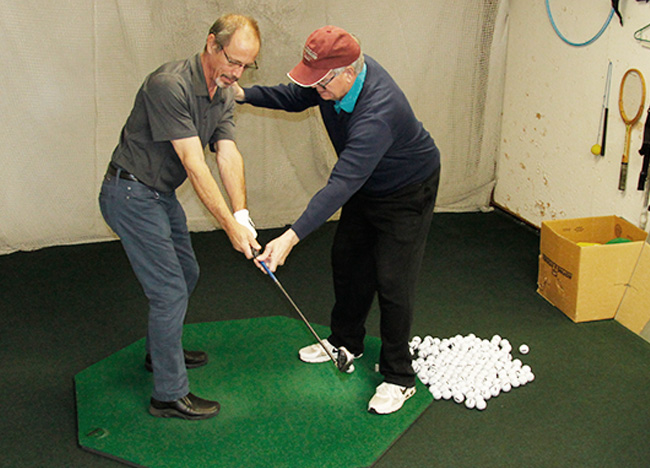 Golf lessons for seniors and students